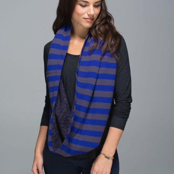 Lululemon Blissed Out Circle Scarf Pigment Blue